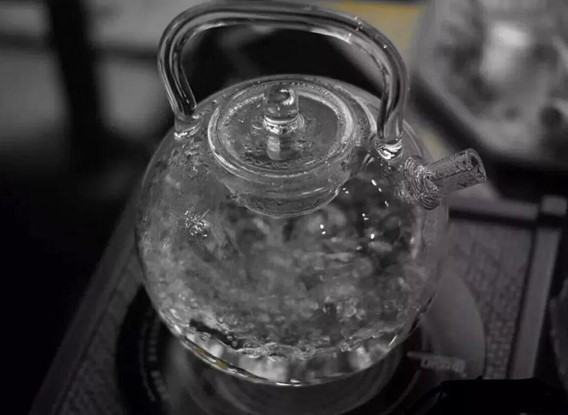 Water is also an important part of how to brew oolong tea