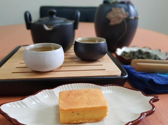 Enjoy the tea and get a piece of pineapple cake, they will make your tea time perfect